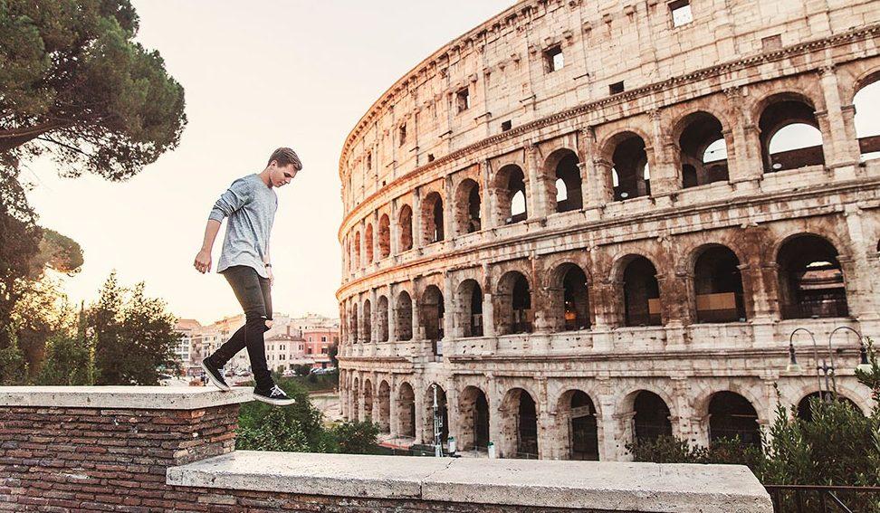 intercambios a Italia desde Mexico chico frente al Coliseo