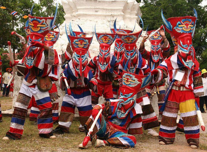 """Dia de Muertos en Todo el Mundo - Tailandia - """"Phi Ta Khon"""""""