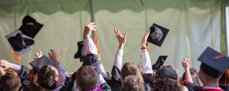 los estudiantes se estan graduando