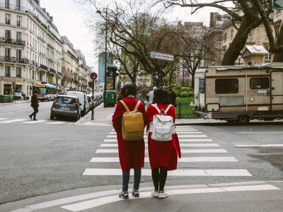 Estudiantes en Paris - ir a la escuela
