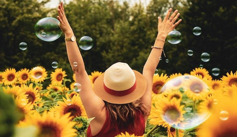flores estudiante felicidad