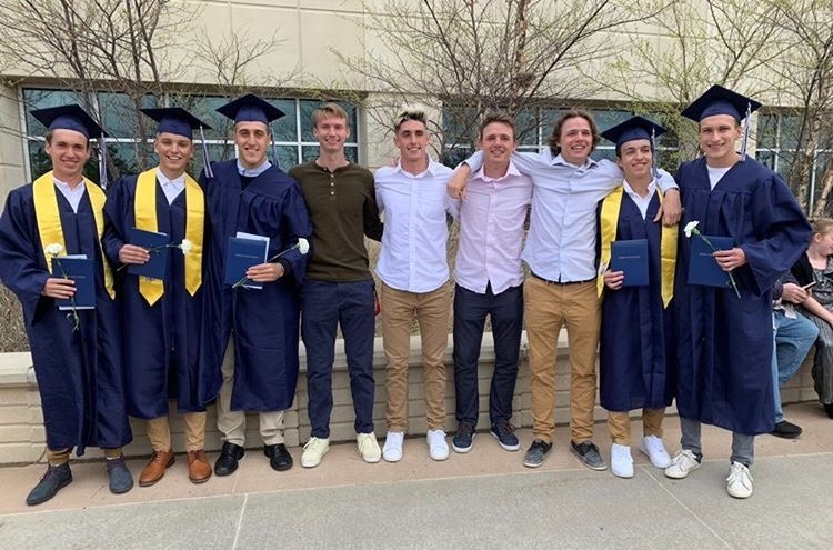 estudiantes ano escolar america diploma